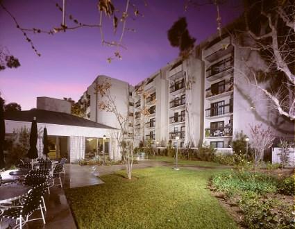 Regent Plaza Thomas Safran Associates Affordable Housing Los Angeles